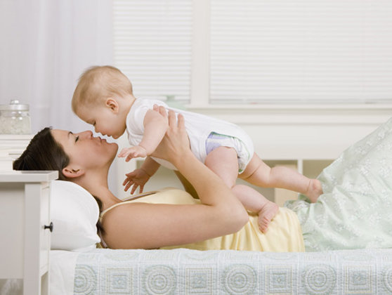 Imaginea articolului Un senator PNL propune scoaterea de la întreţinere a copiilor de până la 3 ani