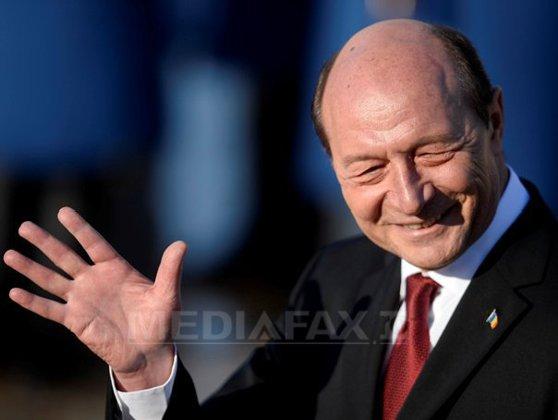 Imaginea articolului Preşedinţia Republicii Moldova confirmă:Traian Băsescu şi soţia sa au depus cereri de cetăţenie pe 8 martie
