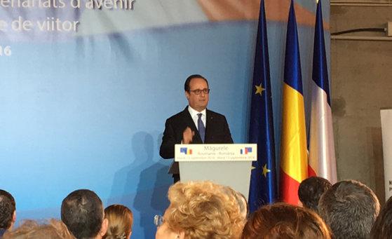 Imaginea articolului Hollande, la Măgurele: Franţa şi România, datorită cercetătorilor şi întreprinderilor care le însoţesc, pot să implementeze laserul cel mai puternic din lume