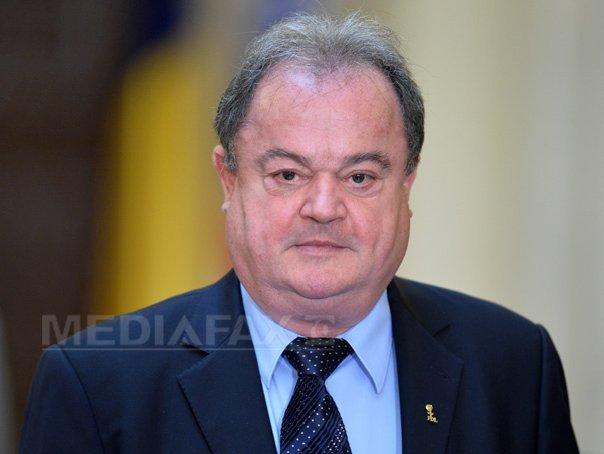Vasile Blaga: O să ţin colegii aproape. Partidul va lua cea mai bună soluţie, PNL rămâne unit