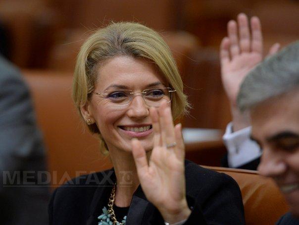 Copreşedintele PNL Alina Gorghiu: Nu înţeleg supărarea PSD şi ALDE privind premierul politic.Vouă vă place Cioloş? Că mie da