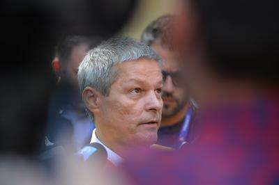 Gorghiu, referitor la Cioloş: Candidatul de prim-ministru nu e obligatoriu să aibă şi carnet de partid