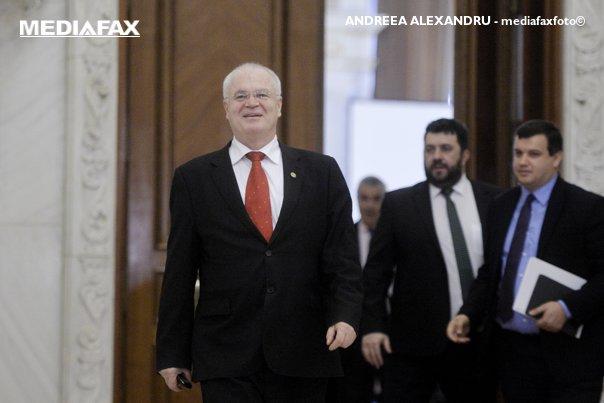 Imaginea articolului Eugen Nicolicea: Şedinţa Comisiei juridice convocată pentru respingerea OUG 13, amânată după votul final