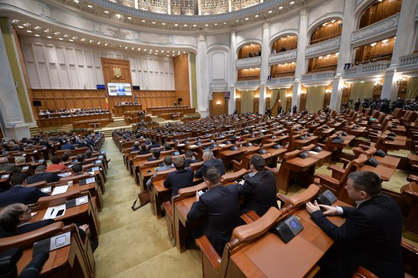 Imaginea articolului Comisia juridică cere schimbarea regulamentelor pentru a discuta modificarea Constituţiei