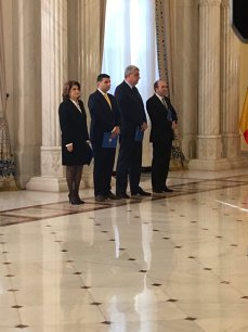 Imaginea articolului Noii miniştri din guvernul Grindeanu au depus jurământul la Cotroceni. Iohannis: Inţeleg această remaniere ca o mişcare de întărire a echipei guvernamentale