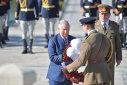 Imaginea articolului GALERIE FOTO, VIDEO Prinţul Charles a fost primit la Palatul Cotroceni de preşedintele Klaus Iohannis/ Moştenitorul Coroanei Britanice a depus flori la Mormântul Eroului Necunoscut