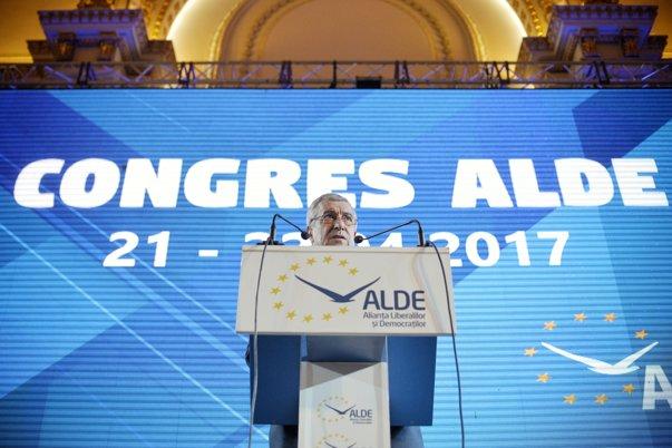 Imaginea articolului ALDE a votat excluderea lui Daniel Constantin