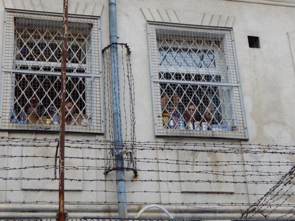 Imaginea articolului Robert Cazanciuc propune ca deţinuţii să îngrijească monumentele istorice. Toader susţine iniţiativa