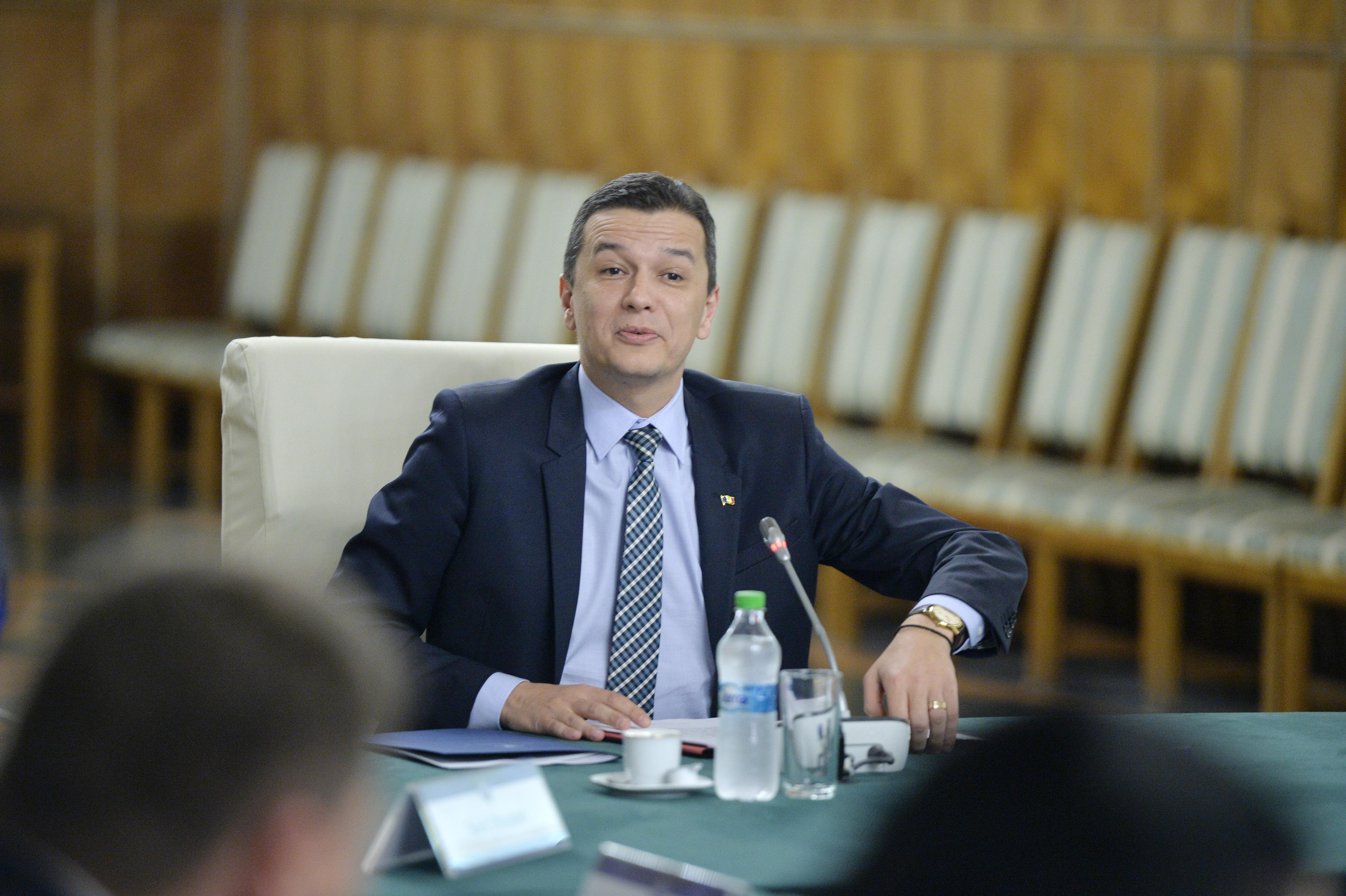 Premierul Sorin Grindeanu, răspuns pentru Liviu Dragnea: Dacă eram parlamentar, votam Legea salarizării `cu două mâini`