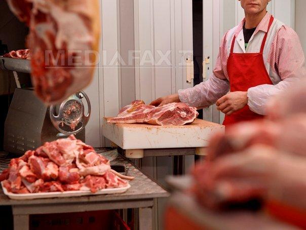 Klaus Iohannis cere reexaminarea Legii de aprobare a Programului carne de porc din fermele româneşti