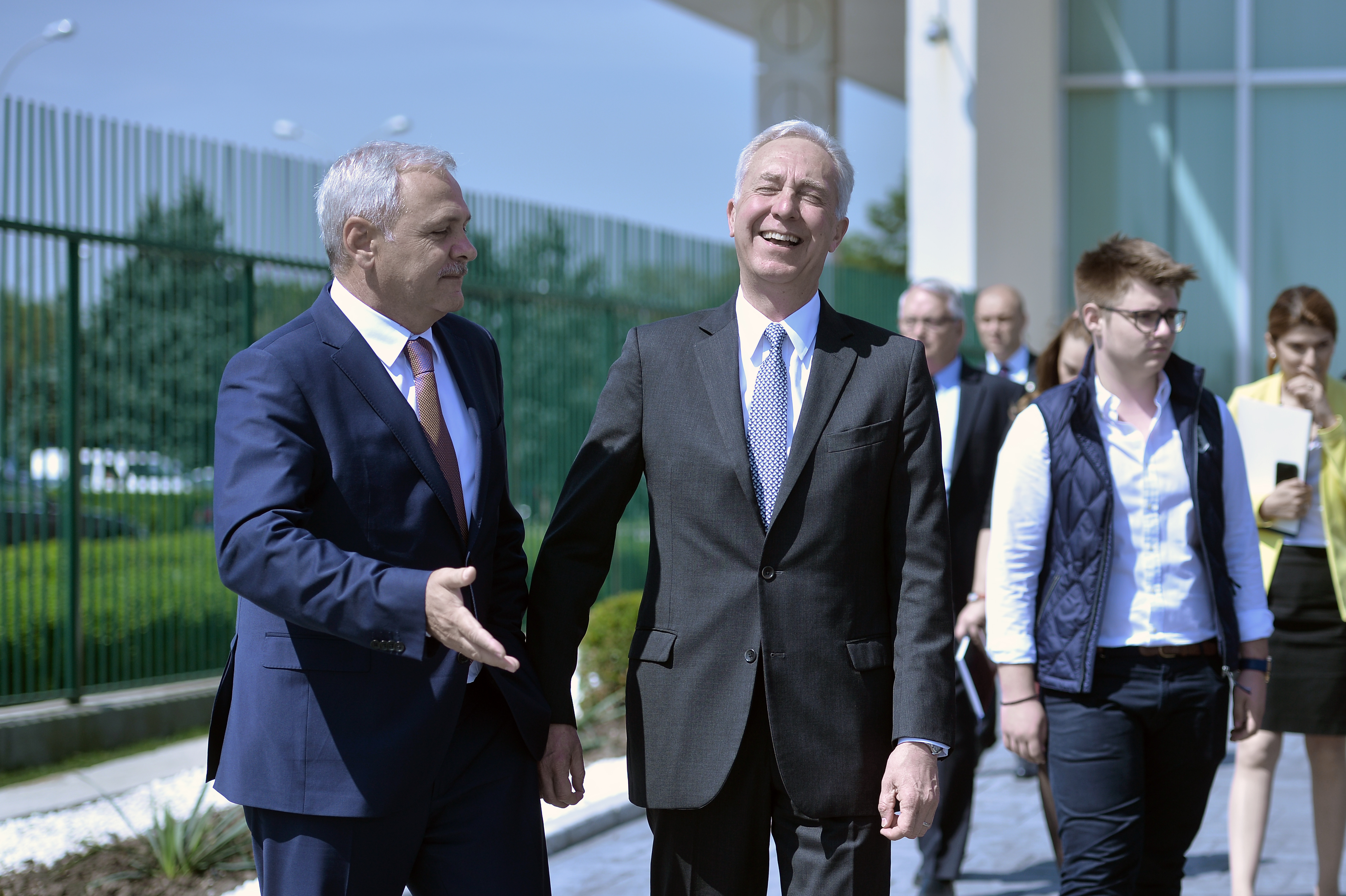Klemm, despre susţinerea lui pentru procurorul-şef al DNA, după ce s-a întâlnit cu Dragnea: Ne menţinem încrederea/ Ce spune despre măsurile economice ale Guvernului Tudose: Parteneriatului poate fi afectat