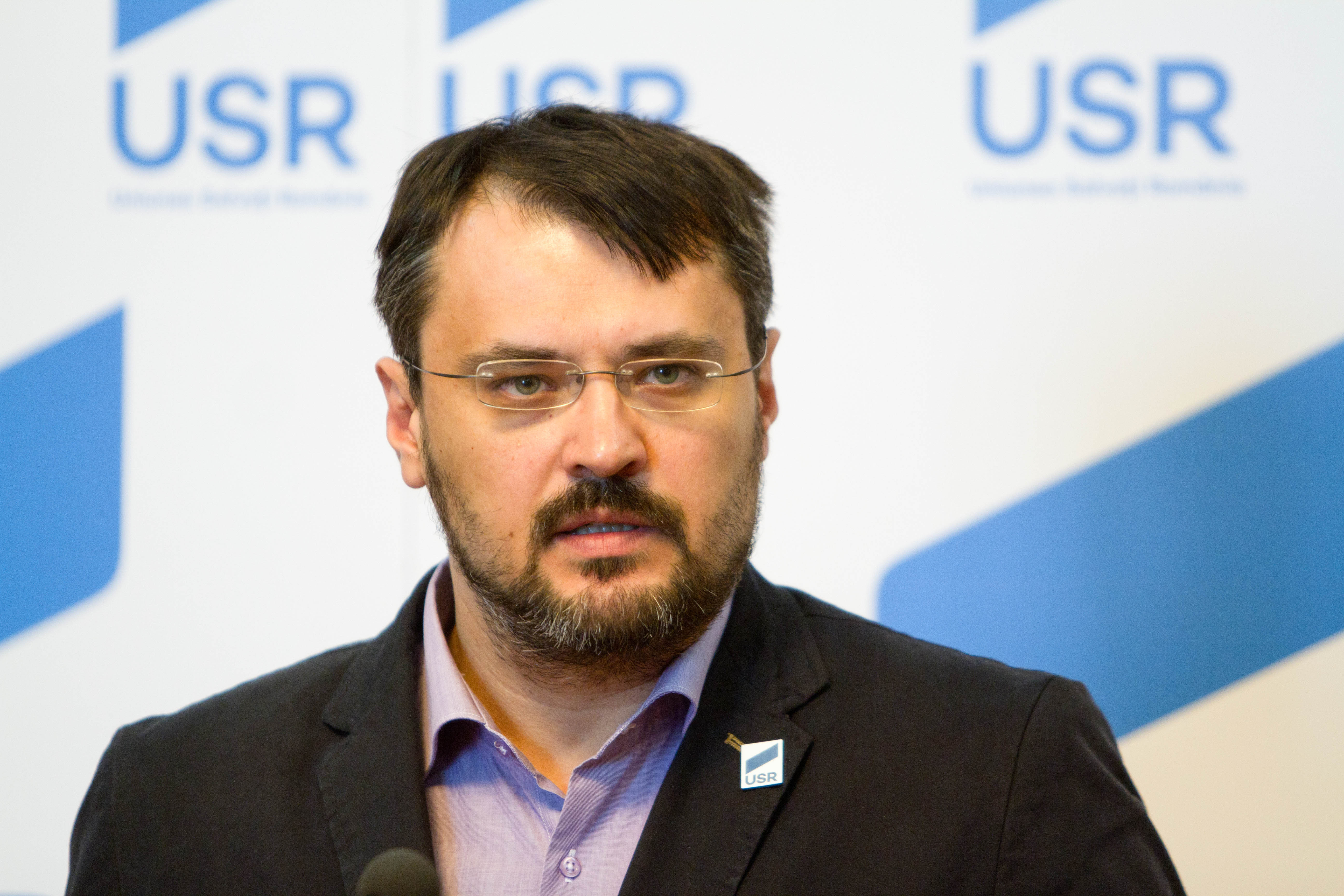 Ghinea: USR se va poziţiona împotriva revizuirii Constituţiei României privind redefinirea familiei