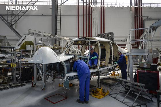 Imaginea articolului Vizita lui Macron în România: Extinderea contractului între Airbus Helicopters şi IAR Braşov şi memorandumul pentru rachete