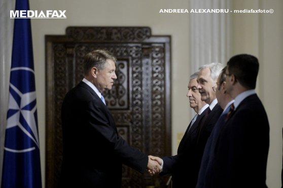Imaginea articolului Tăriceanu, Dragnea şi Tudose au purtat discuţii cu preşedintele Iohannis, la Cotroceni, după ceremonia de învestire a noilor miniştri/ Dragnea: Sper să avem o întâlnire în patru într-un termen rezonabil