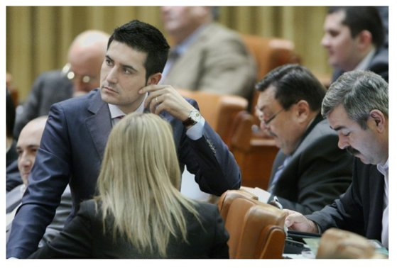 Imaginea articolului Senatorul PSD Claudiu Manda îi ia locul lui Adrian Ţuţuianu la conducerea Comisiei SRI