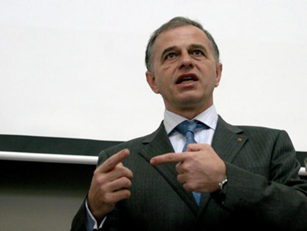 Mircea Geoană, audiat la Tribunalul Bucureşti: Ceasurile primite de la Vanghelie au fost cadouri