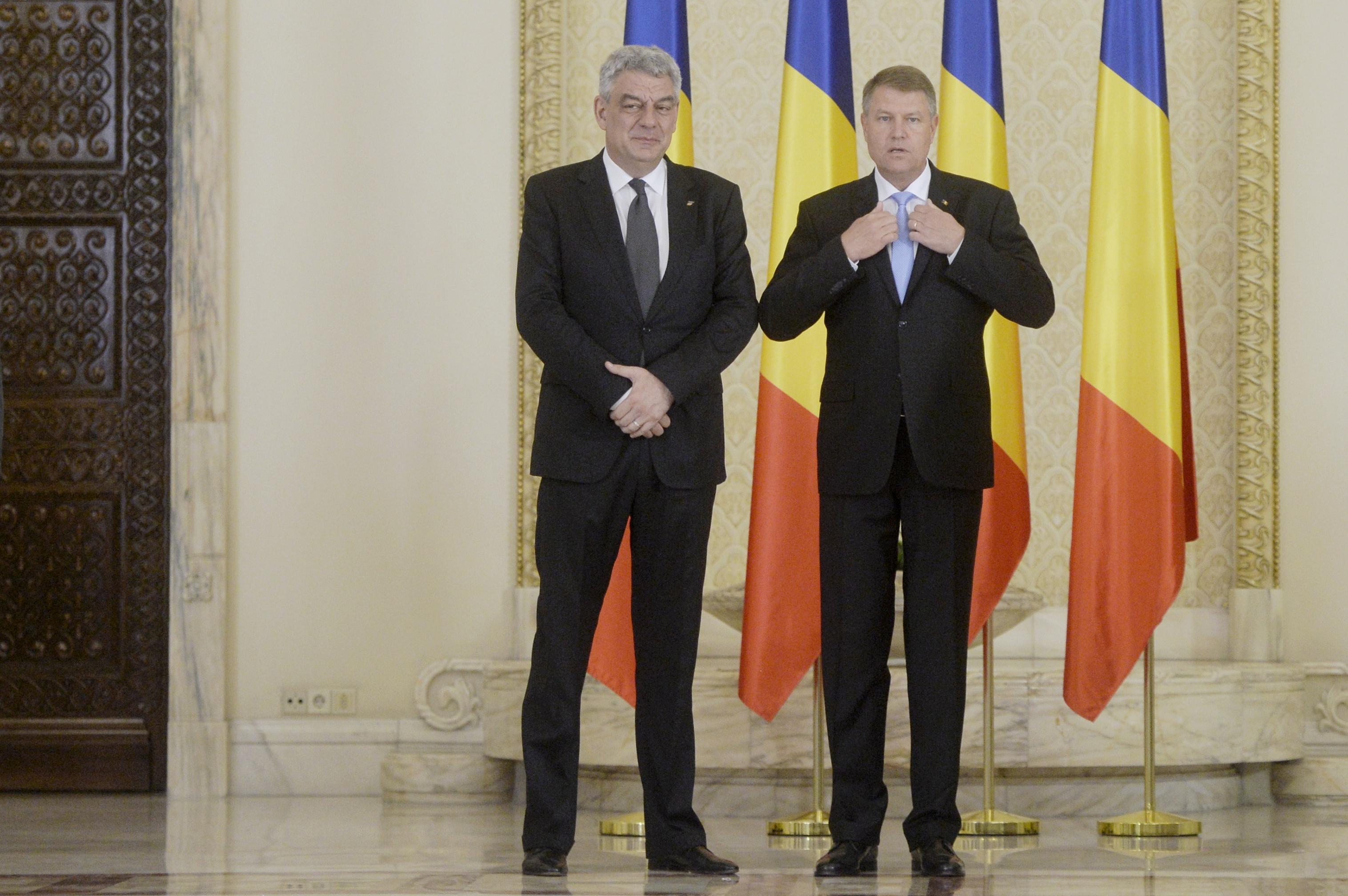 Premierul Tudose, despre întâlnirea cu Iohannis înaintea celei de la partid: Discuţia a fost dacă poate semna actele săptămâna aceasta