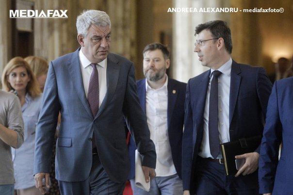 Imaginea articolului Premierul Tudose, ironic la adresa ministrului de Finanţe, pe tema taxei de solidaritate: A explicat bine, traducerea nu iese; taxa există, se va schimba doar baza de raportare