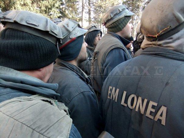 Premierul Mihai Tudose, în Valea Jiului: Nu dorim ca la anul să importăm jumătate din stocurile de cărbune pentru iarnă