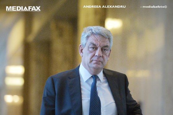 Imaginea articolului Tudose: Transferul contribuţiilor de la angajator la angajat se va face miercuri prin OUG / Dragnea: Premierul nu s-a opus pachetului de măsuri fiscale / Vicepremierul Stănescu: Am căzut de acord cu o anumită formulă