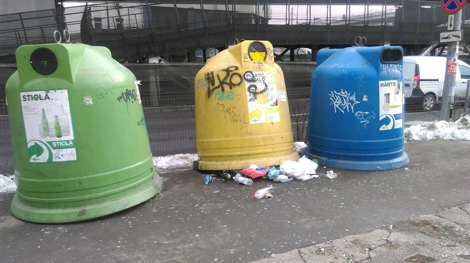 Primarul Sectorului 1 ameninţă cu ABANDONAREA gunoaielor pe străzi, dacă oamenii nu le aruncă selectiv: `Când se vor vedea cu gunoiul la uşă, vor fi mai responsabili`