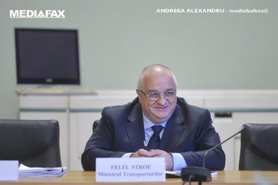 Imaginea articolului Premierul Mihai Tudose l-a felicitat pe Felix Stroe pentru proiectele depuse: În ritmul ăsta şi luna februarie va avea 30 de zile