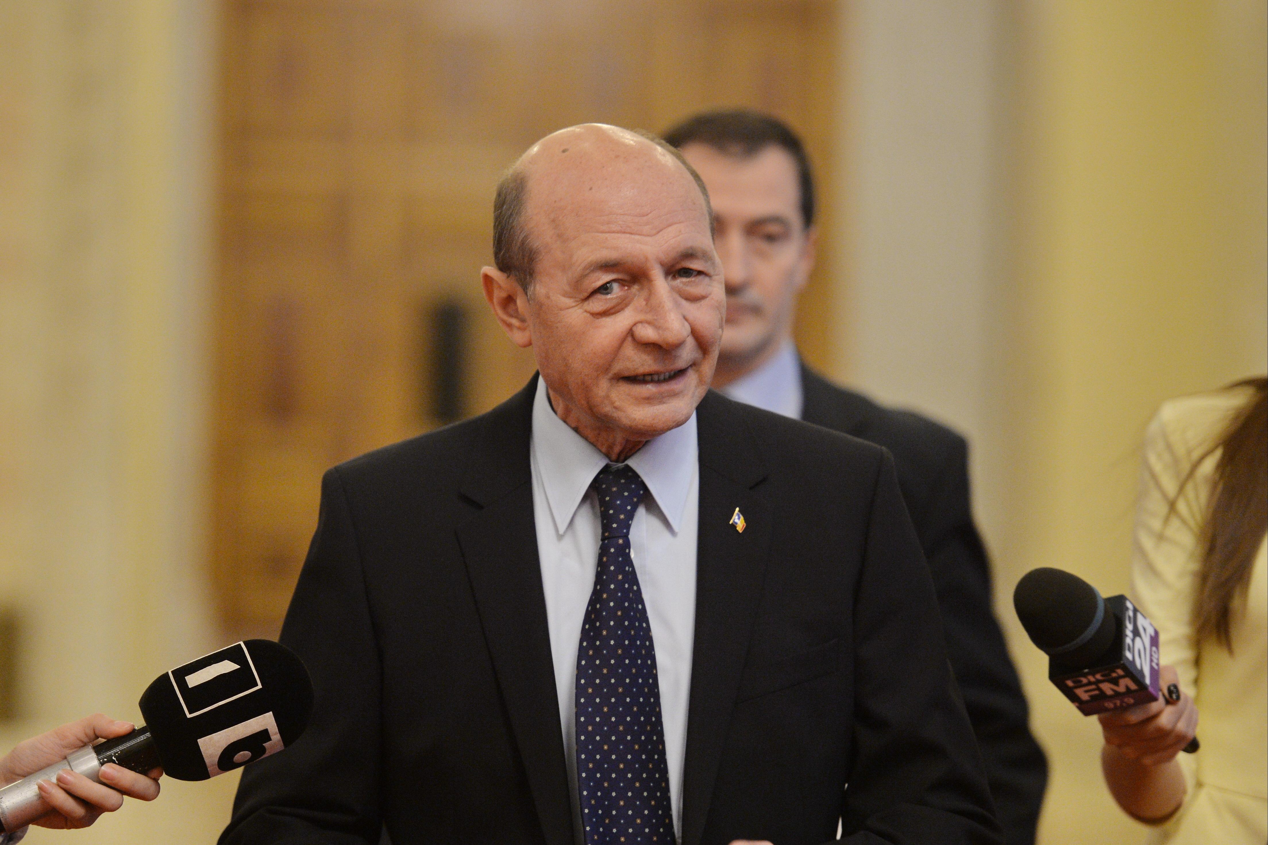 Băsescu: E o zonă riscantă în Legea privind Statutului magistraţilor făcută cu subtilitatea borşafului de meserie/ Nu e rolul unui preşedinte să se pună în fruntea protestelor
