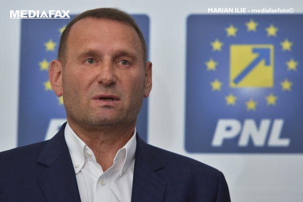 Imaginea articolului Cataramă: Partidul lui Cioloş, o declaraţie de război; Iohannis ar putea să mai nu fie candidatul PNL