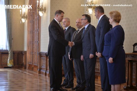 """Imaginea articolului Cum vede PNL criticile la adresa preşedintelui Iohannis, după cedarea în faţa PSD-ALDE: Revolta, la fel de justificată ca judecata """"Opoziţia e de vină că nu are voturi"""""""