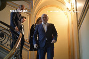 """Dragnea, obsedat de o telenovelă turceasă: """"Ne-am amuzat când a suspendat o şedinţa la partid ca să vadă Suleiman Magnificul"""""""
