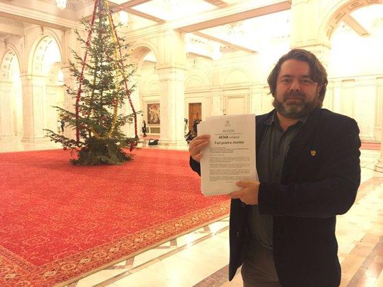 Imaginea articolului Mihai Goţiu (USR) se declară cel mai activ senator, cu 410 întrebări, interpelări şi declaraţii