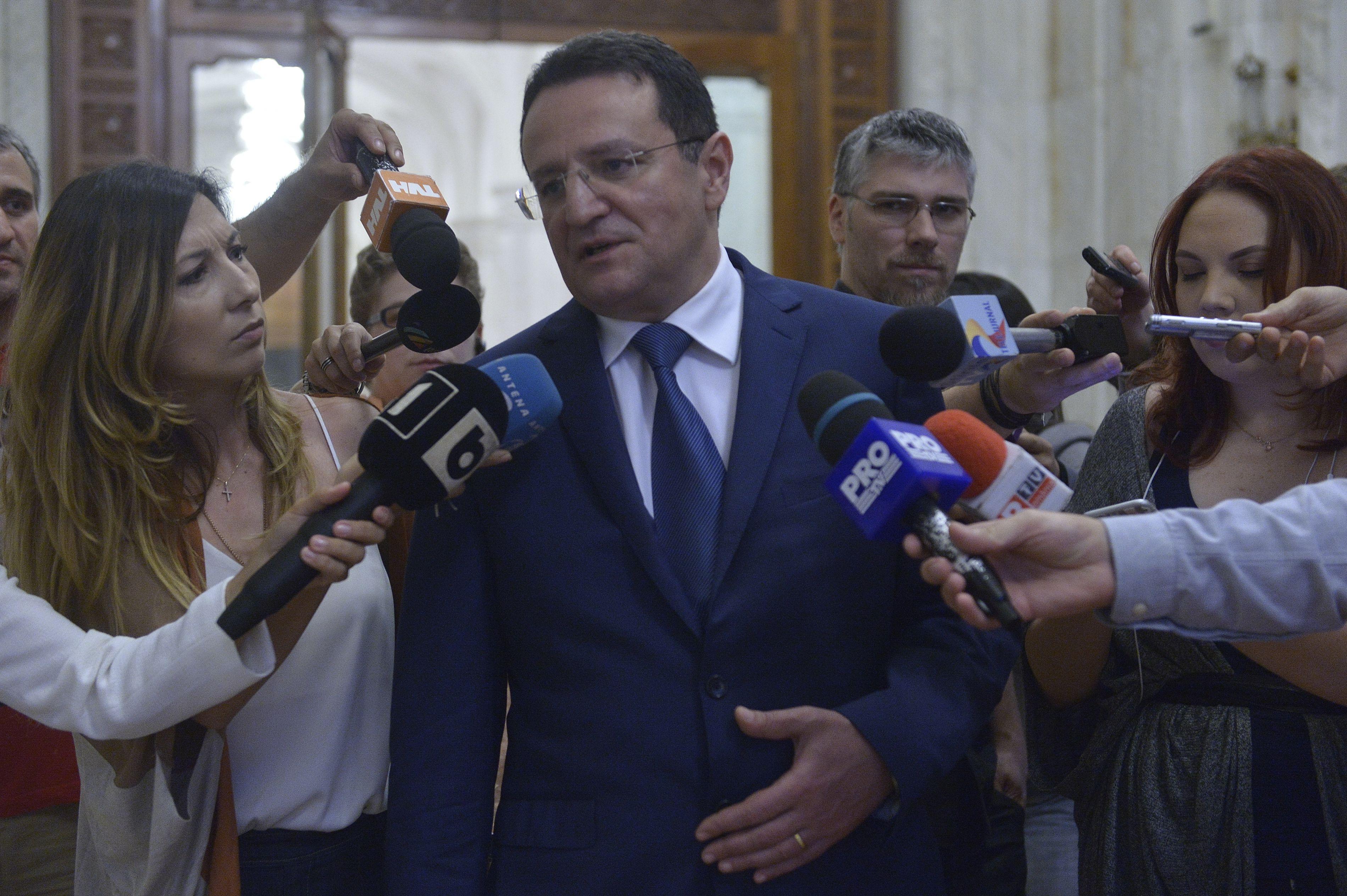 Fostul şef al Serviciului de Informaţii, George Maior, este audiat marţi în Comisia SRI