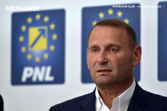 Imaginea articolului Viorel Cataramă cere excluderi din PNL, după votul din Consiliu: 100 de voturi au fost transferate la Orban