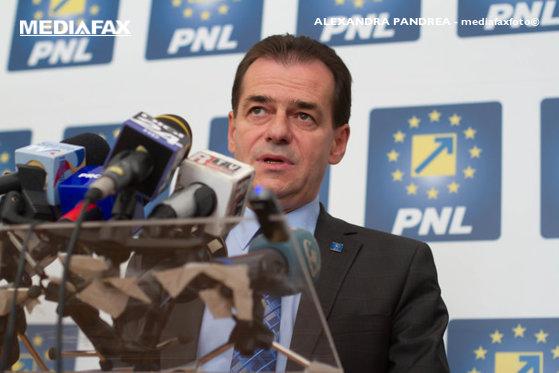 Imaginea articolului PNL va duce negocieri cu parlamentari ai ALDE şi chiar PSD pentru susţinerea moţiunii de cenzură