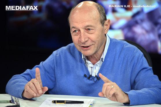 Imaginea articolului Băsescu face comparaţie între Boc şi Firea: Unul spune ce a făcut, altul ce o să facă