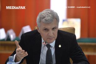 Senatorul Daniel Zamfir, iniţiatorul Legii dării în plată, a trecut de la PNL la ALDE / Orban: Îngroaşă rândurile firimituriştilor pe lângă Tăriceanu