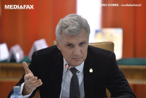 Imaginea articolului Senatorul Daniel Zamfir, iniţiatorul Legii dării în plată, a trecut de la PNL la ALDE / Orban: Îngroaşă rândurile firimituriştilor pe lângă Tăriceanu