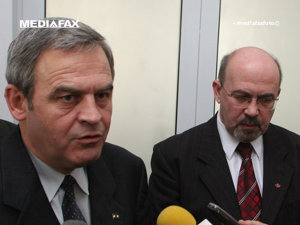 Preşedintele CNMT, Laszlo Tokes si preşedintele UDMR, Marko Bela (Imagine: Mediafax Foto)