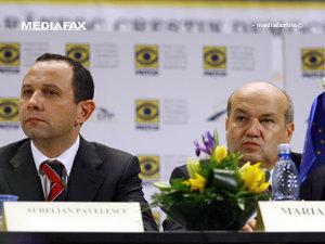 Aurelian Pavelescu (S) si Marian Milut (D) (Imagine: Mediafax Foto)