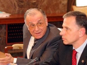 """Gândul: Iliescu îi transmite lui Geoană: """"Are şi imunitatea logica ei"""""""