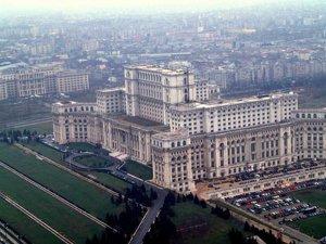 Boc cere Parlamentului reducerea cheltuielilor (Imagine: Mediafax Foto)