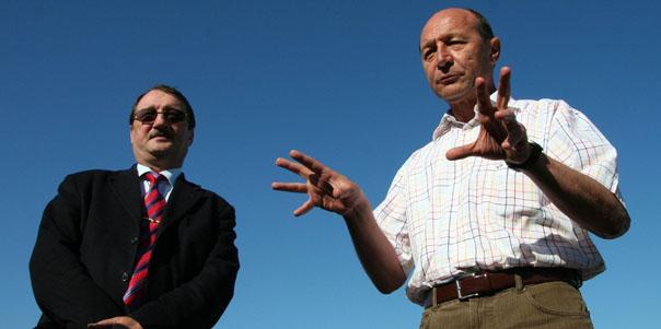 Preşedintele României, Traian Băsescu şi fratele său, Mircea Băsescu (Imagine: Florin Gheorghe/Mediafax Foto)