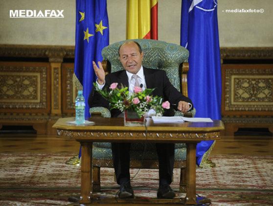 Imaginea articolului Băsescu: Opţiunea mea - Guvern PDL-PNL, cu premier democrat-liberal