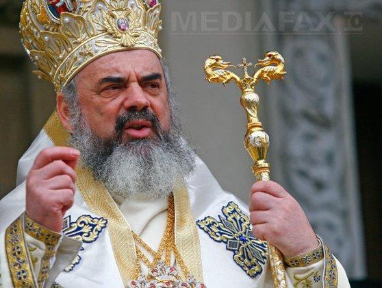 Imaginea articolului PF Daniel a acordat cele mai înalte distincţii ale Patriarhiei lui Irinel Popescu şi Mihai Lucan