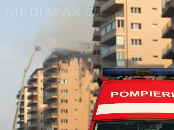 [Imagine: incendiu-pompieri-masina-gabriel-fluerar...?width=605]