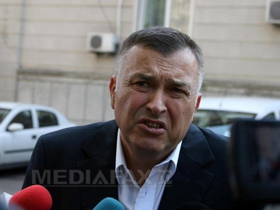 Imaginea articolului EXCLUSIV: Generalul Bontic dădea petreceri private cu bunuri ale Jandarmeriei