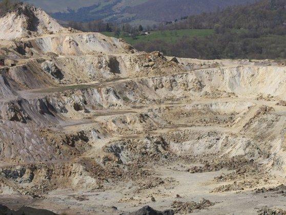 Imaginea articolului Guvernul a aprobat legea care permite exploatarea la Roşia Montană şi o trimite Parlamentului
