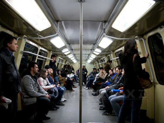 Imaginea articolului Sindicaliştii de la metrou: Noile metrouri, pentru care s-au plătit 98 milioane de euro, sunt prea late. Trebuie să se taie din peroane