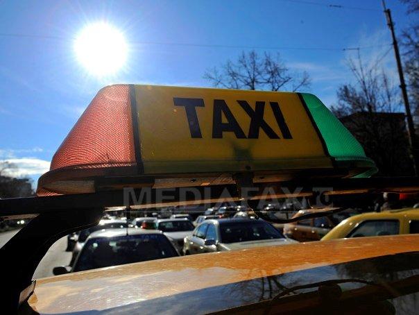 Aproape 200 de taxiuri si masini ale scolilor auto, gasite �n neregula de inspectorii RAR