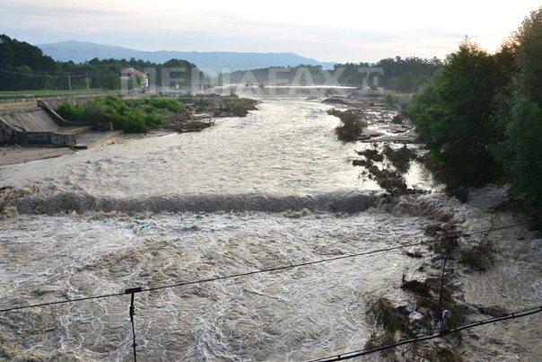 Cod galben de inundatii �n 16 judete, pe afluenti ai r�urilor Olt, Arges, Ialomita si Siret